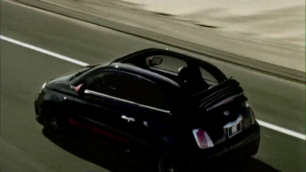 FIAT 500 Abarth Caprio TV Spot, 'Topless' - Screenshot 9