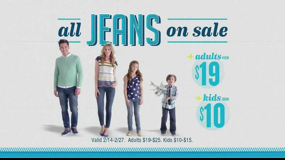 Old Navy TV Spot, 'Airplane Jean Sale' Featuring Julie Hagerty - Screenshot 10