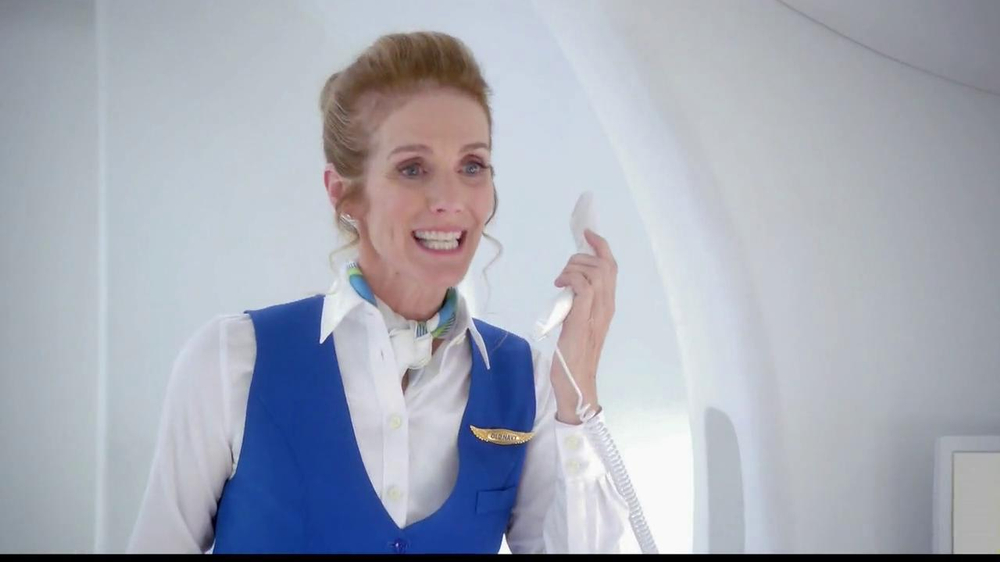 Old Navy TV Spot, 'Airplane Jean Sale' Featuring Julie Hagerty - Screenshot 3