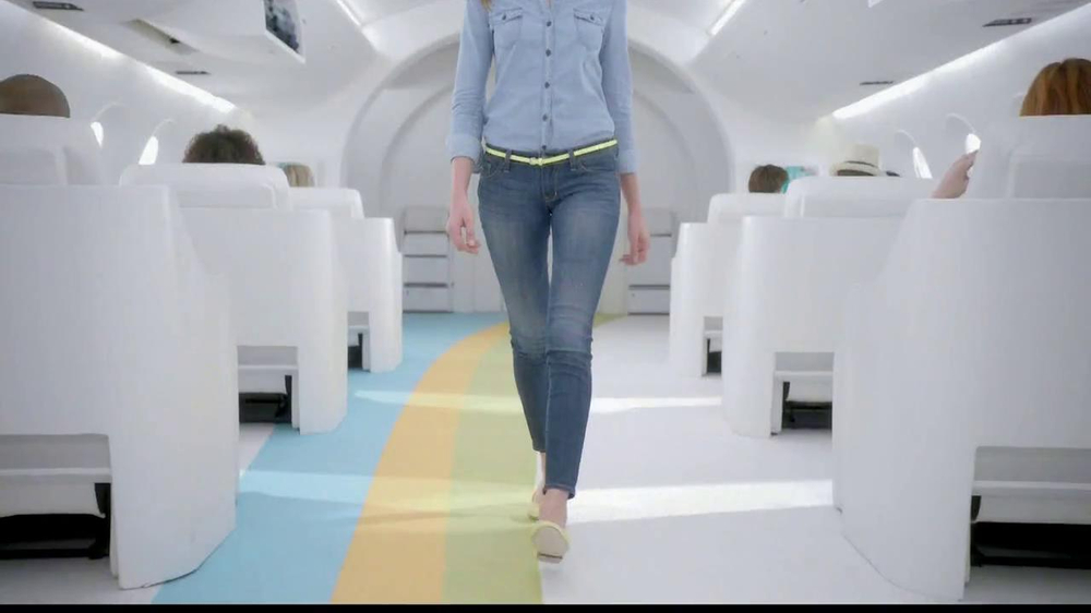 Old Navy TV Spot, 'Airplane Jean Sale' Featuring Julie Hagerty - Screenshot 4