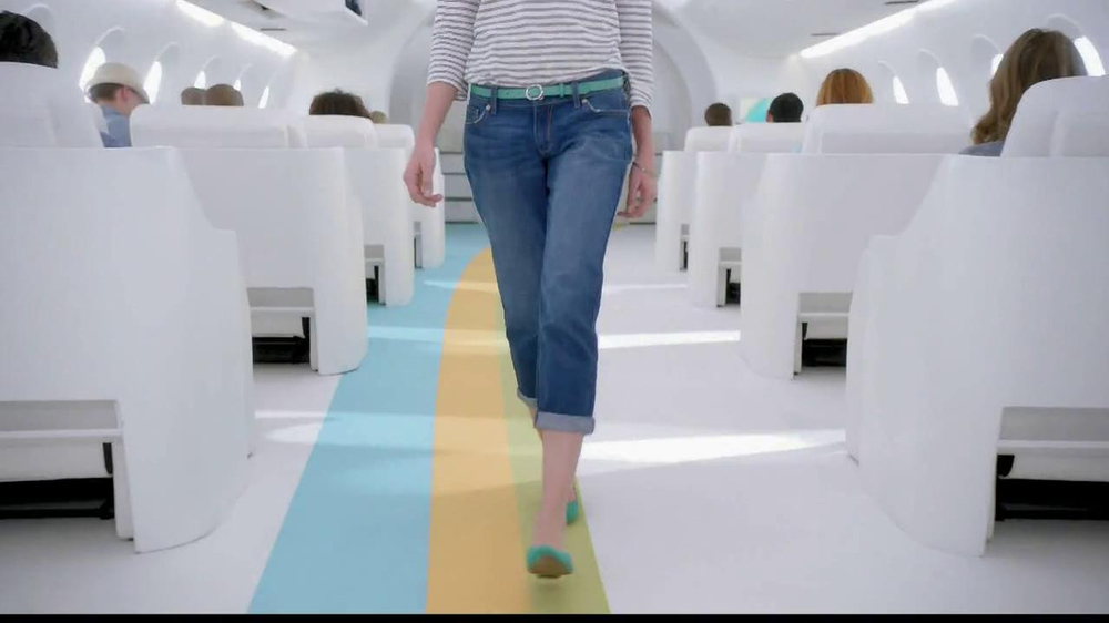Old Navy TV Spot, 'Airplane Jean Sale' Featuring Julie Hagerty - Screenshot 5