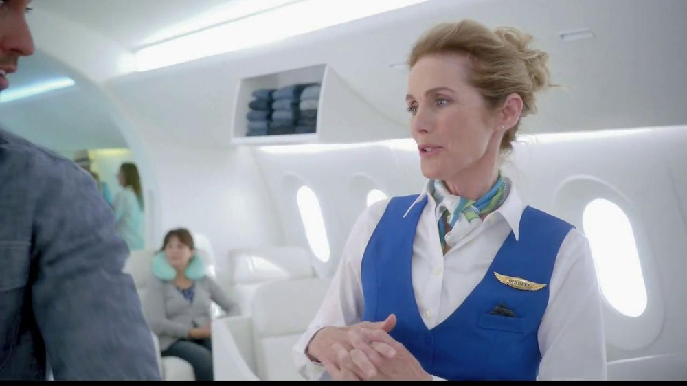 Old Navy TV Spot, 'Airplane Jean Sale' Featuring Julie Hagerty - Screenshot 8
