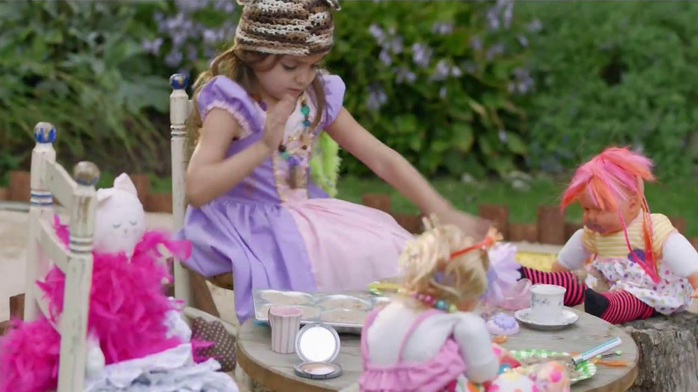 Tide+Downy TV Spot, 'Princess Dress'  - Screenshot 4