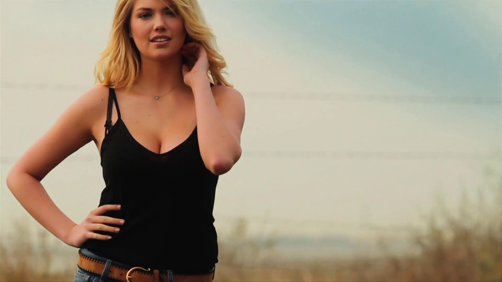 Mercedes-Benz Extended Super Bowl 2013 TV Spot, 'Car Wash' Feat. Kate Upton - Screenshot 1