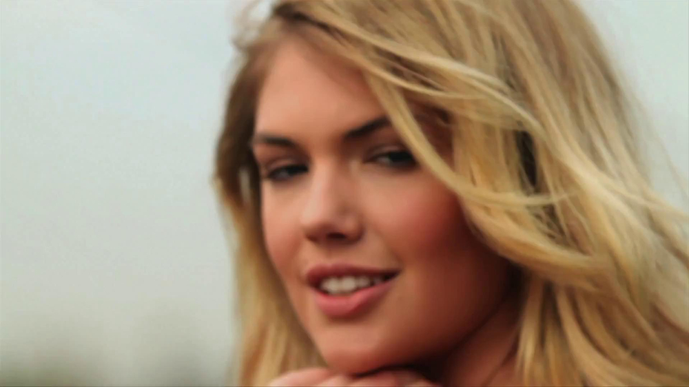 Mercedes-Benz Extended Super Bowl 2013 TV Spot, 'Car Wash' Feat. Kate Upton - Screenshot 6