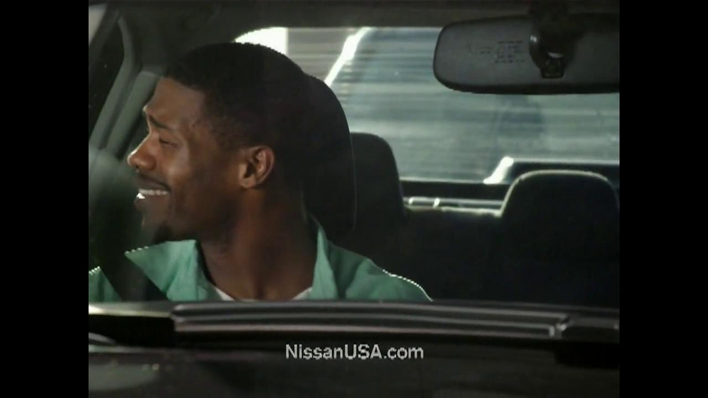 2013 Nissan Altima TV Spot, 'Hot' Song by J.J. Fad - Screenshot 6