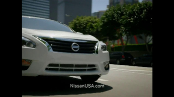 2013 Nissan Altima TV Spot, 'Hot' Song by J.J. Fad - Thumbnail 5