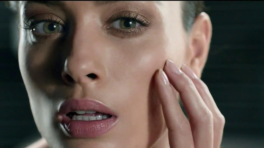 Olay Regenerist Micro-Sculpting Cream TV Spot, 'Growing Older' - Screenshot 1