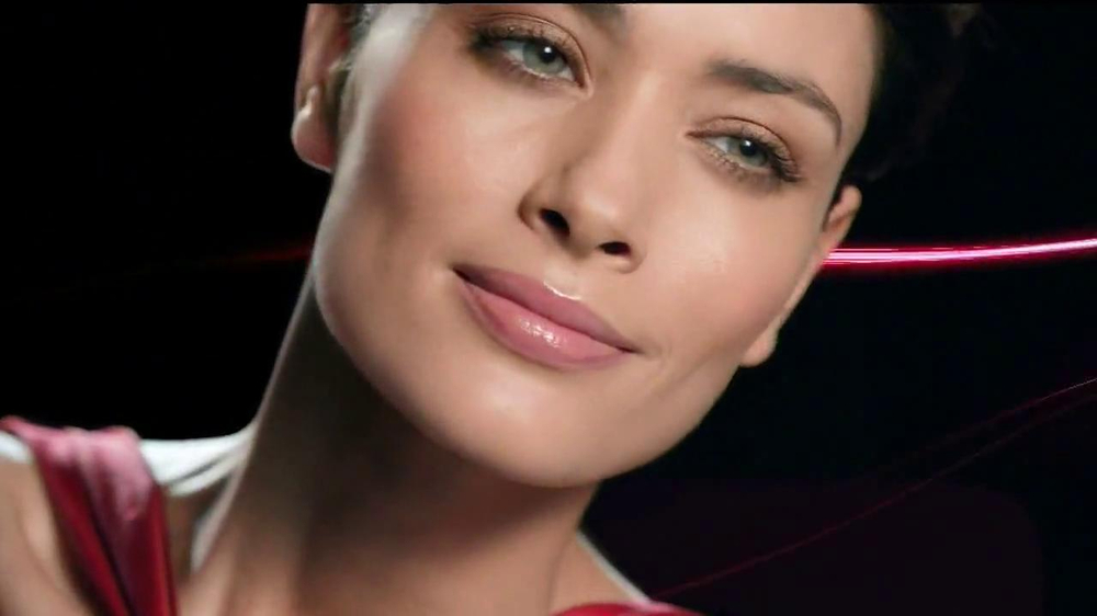 Olay Regenerist Micro-Sculpting Cream TV Spot, 'Growing Older' - Screenshot 3