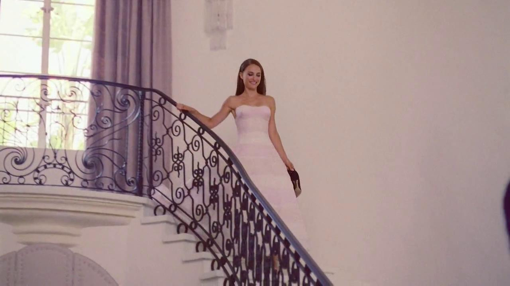 Miss Dior TV Spot Feat. Natalie Portman - Screenshot 6