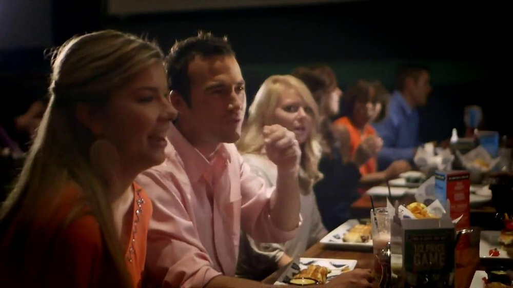 Dave and Buster's Eat, Play, Win Combo TV Spot - Screenshot 1