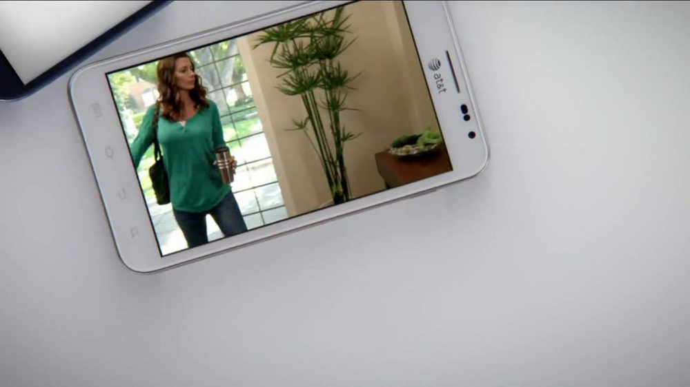AT&T Mobile Share TV Spot, 'Share On All Devices' - Screenshot 2