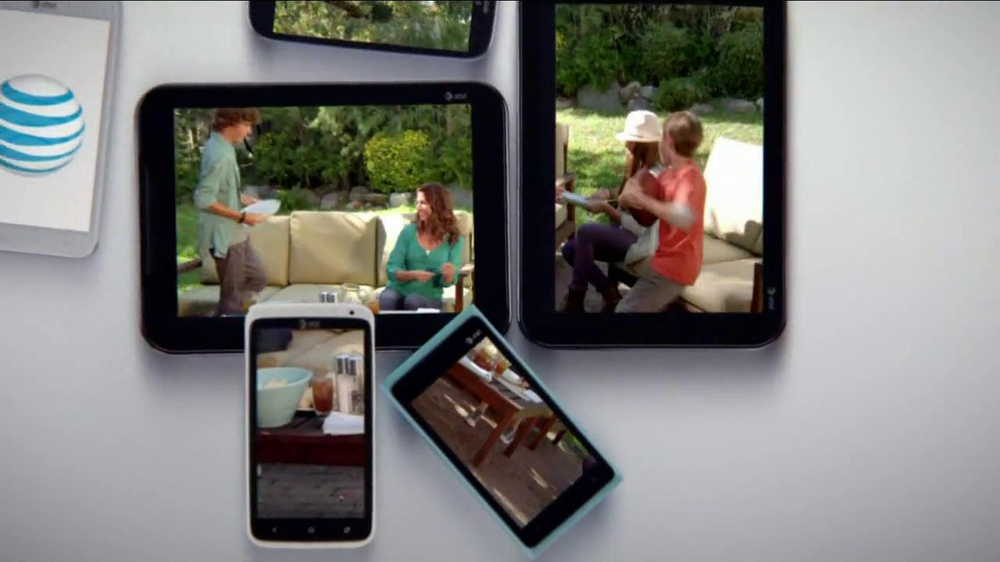 AT&T Mobile Share TV Spot, 'Share On All Devices' - Screenshot 6
