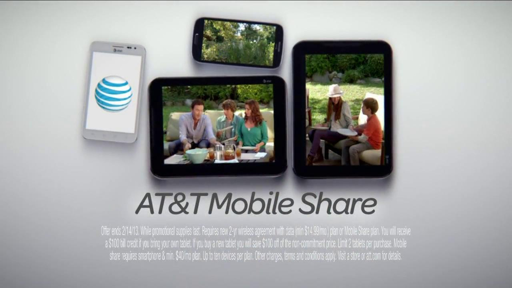 AT&T Mobile Share TV Spot, 'Share On All Devices' - Screenshot 7