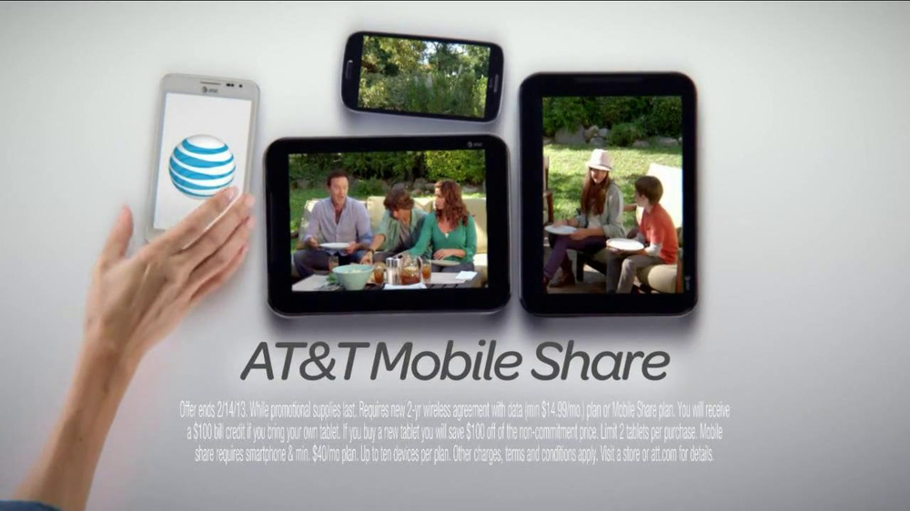 AT&T Mobile Share TV Spot, 'Share On All Devices' - Screenshot 8