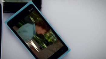 AT&T Mobile Share TV Spot, 'Share On All Devices' - Thumbnail 5