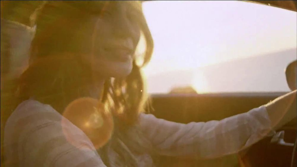 Honda Civic Coupe TV Spot, 'Today is Pretty Great' Song by Vintage Trouble - Screenshot 7