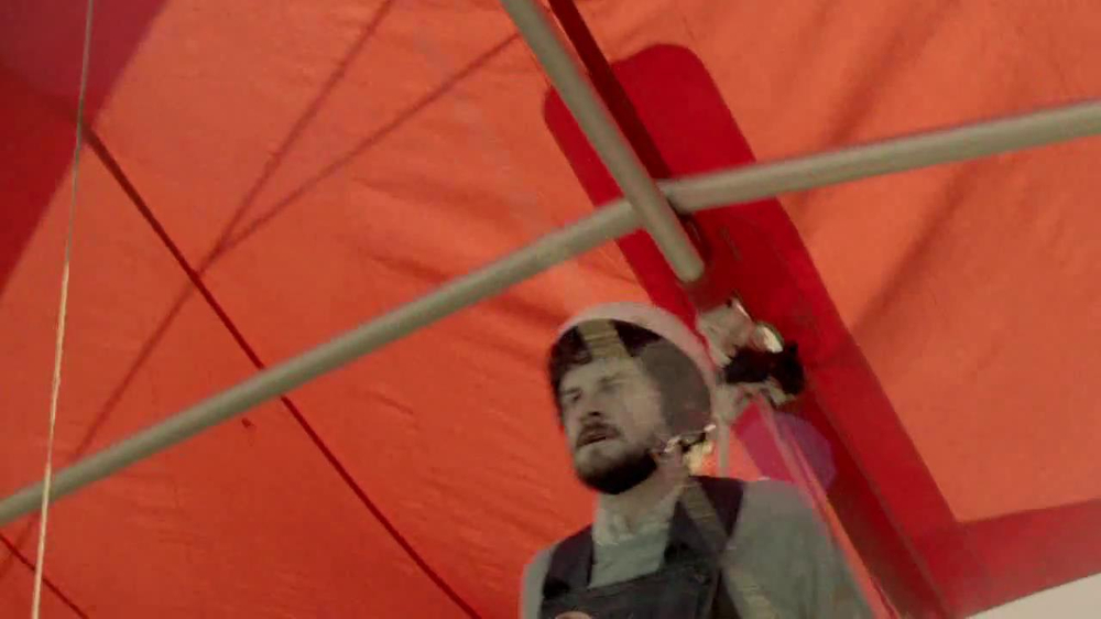 DirecTV TV Spot, 'Hang Gliding' - Screenshot 4