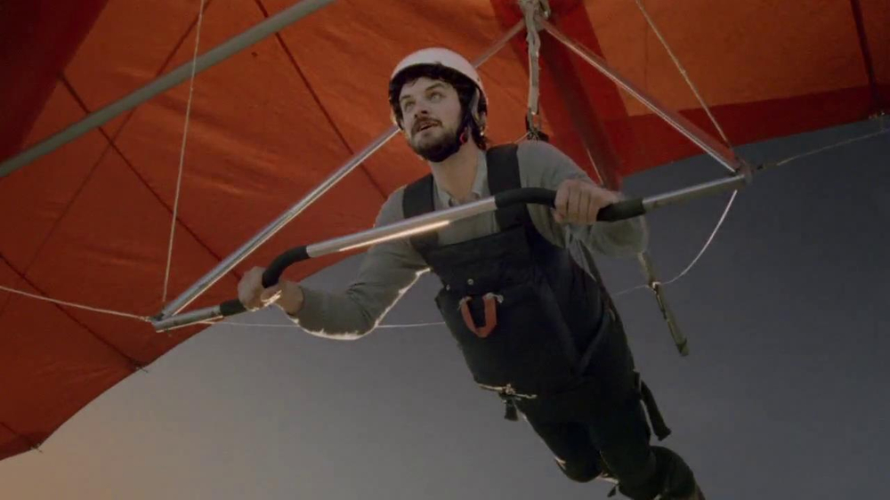 DirecTV TV Spot, 'Hang Gliding' - Screenshot 5