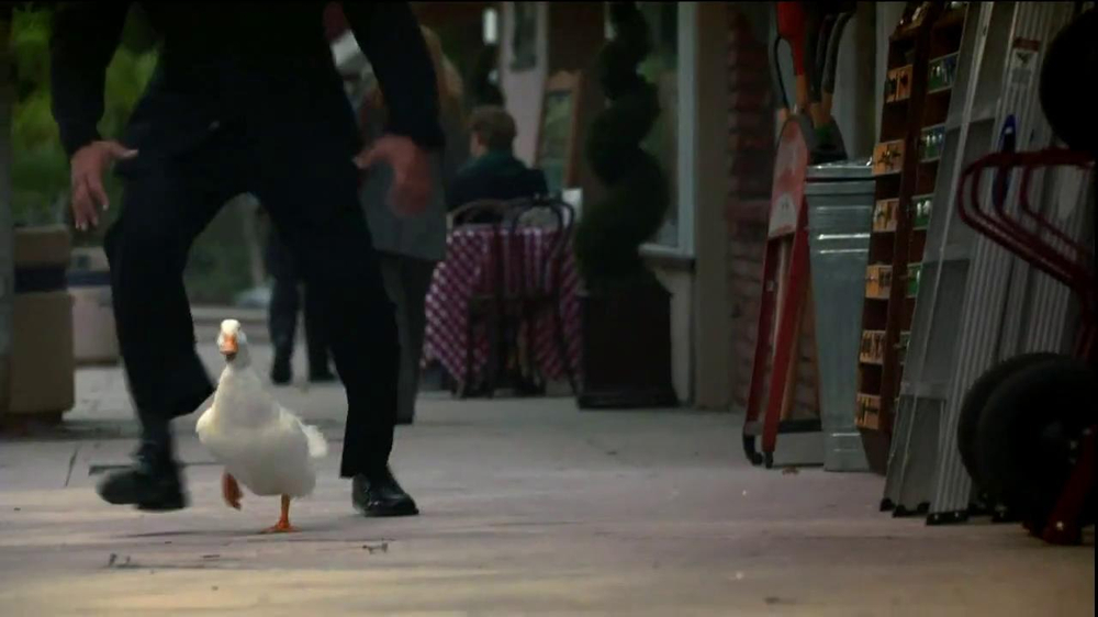 Aflac TV Spot, 'Family Business' - Screenshot 1