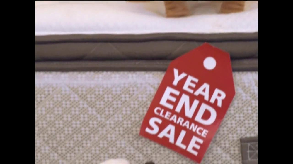 Mattress Discounters Year End Clearance TV mercial
