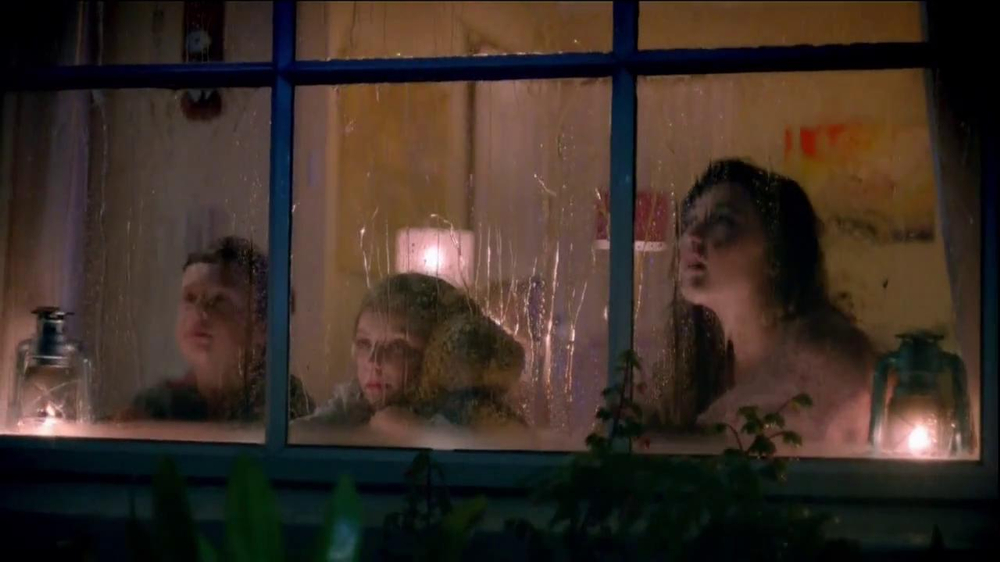 Yoplait TV Spot, 'Rainy Night' Song by Eddie Rabbitt - Screenshot 6