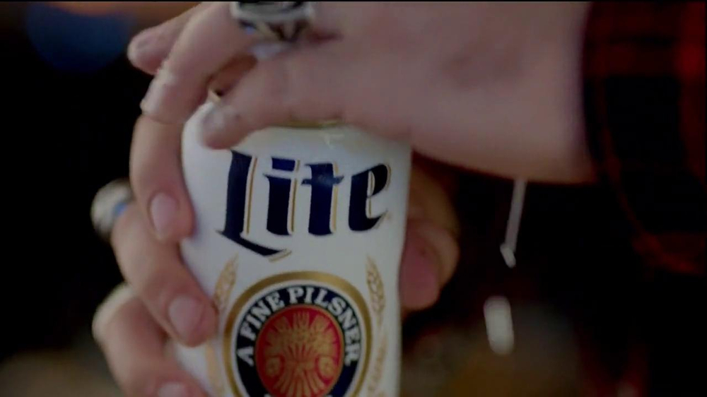 Miller Lite TV Spot, 'Pioneer' - Screenshot 2