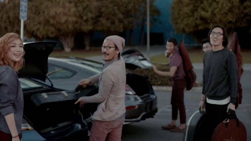 2014 Honda Civic TV Spot, 'Today is Pretty Great' Song by Vintage Trouble - Screenshot 9