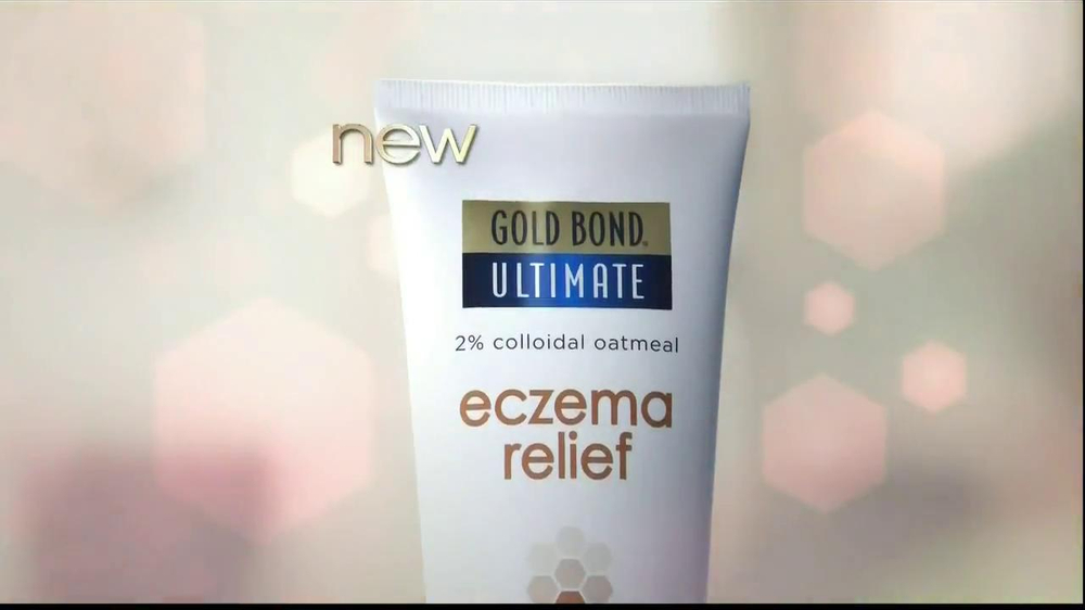 Gold Bond Eczema Relief TV Spot, 'Scratching' - Screenshot 6