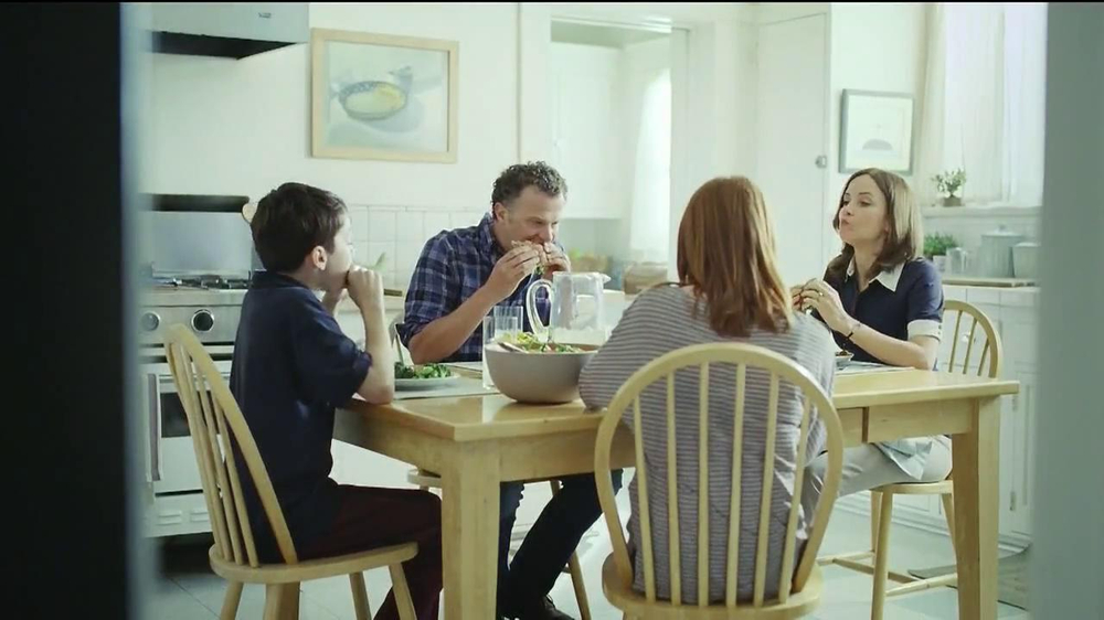 Oscar Mayer Carving Board Turkey Breast TV Spot, 'Giving Thanks' - Screenshot 10