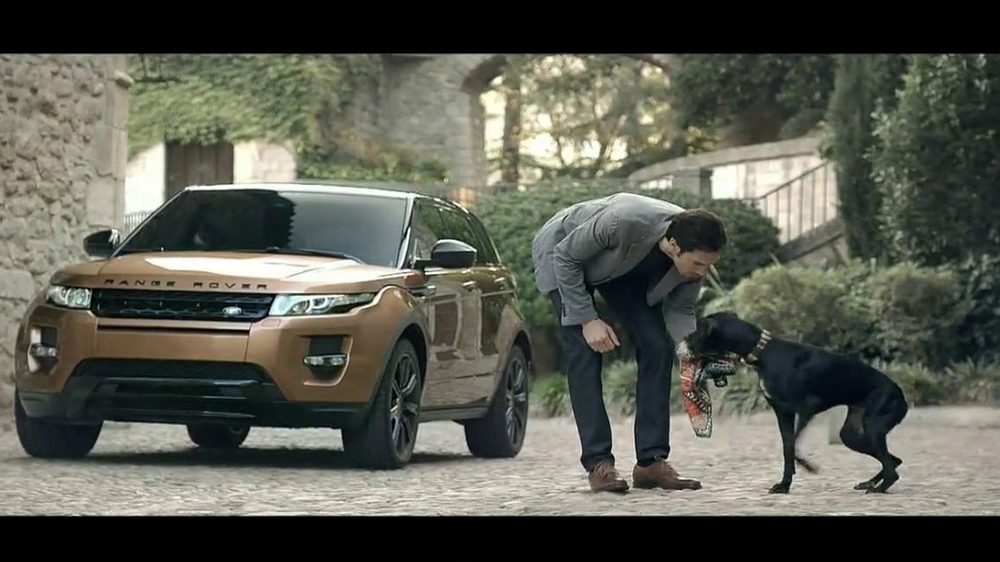 Range Rover Evoque TV Spot, 'Scarf' Song by Jun Miyake - Screenshot 2