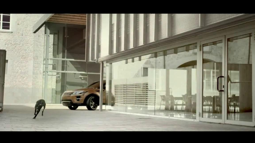 Range Rover Evoque TV Spot, 'Scarf' Song by Jun Miyake - Screenshot 6