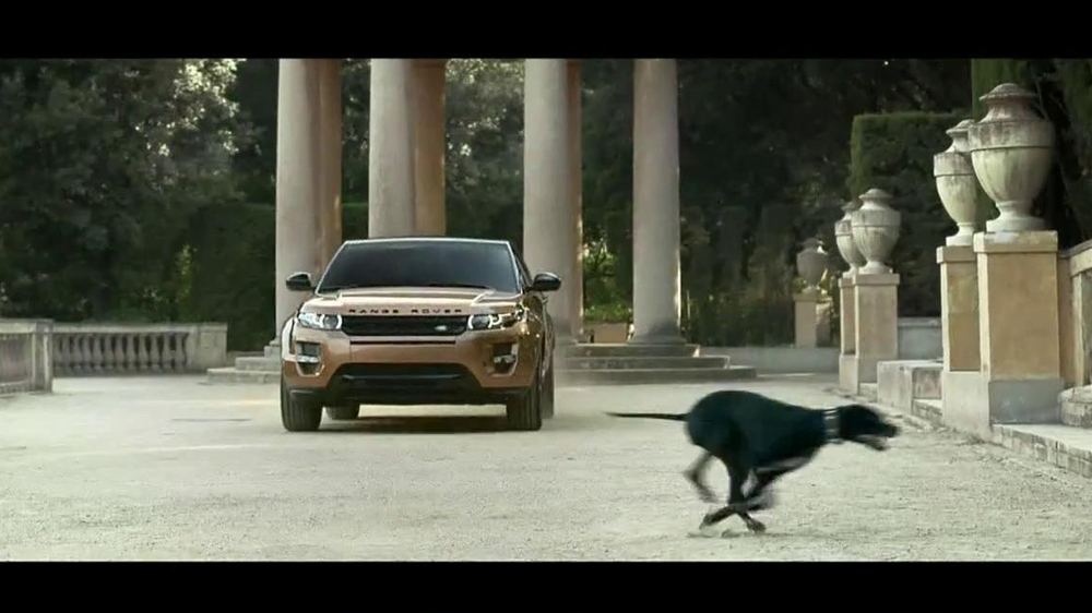 Range Rover Evoque TV Spot, 'Scarf' Song by Jun Miyake - Screenshot 7