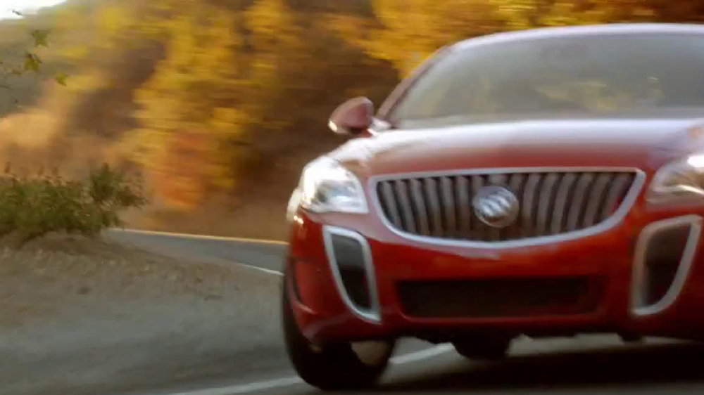 Buick Regal GS TV Spot, 'Feeding TIme' - Screenshot 10
