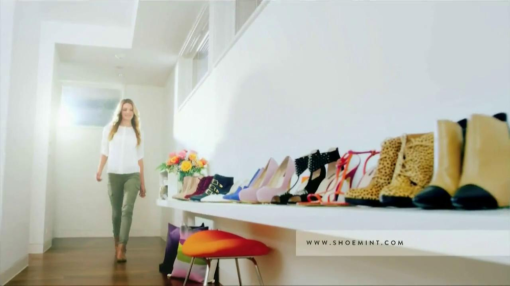 ShoeMint.com TV Spot, 'Shoe Closet' - Screenshot 1