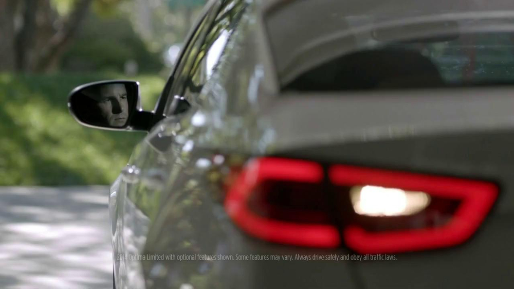 2014 Kia Optima TV Spot, 'Backing In' - Screenshot 3