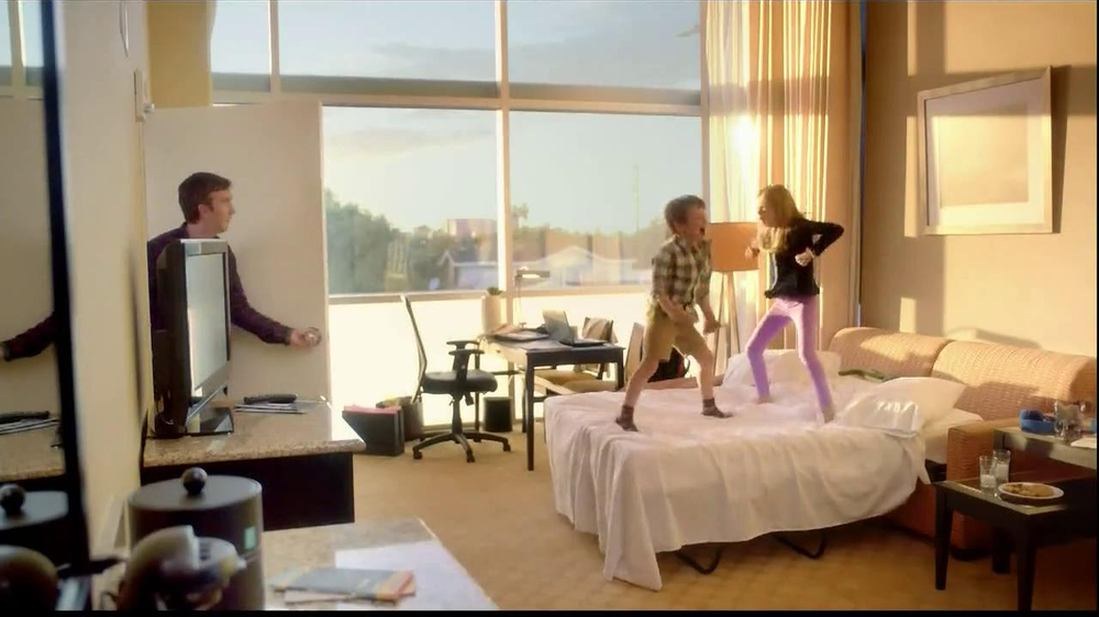 Embassy Suites Hotels TV Spot, 'The Divider' - Screenshot 2
