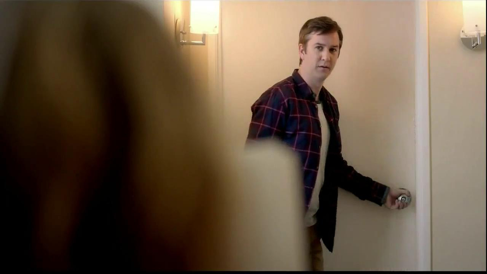Embassy Suites Hotels TV Spot, 'The Divider' - Screenshot 3