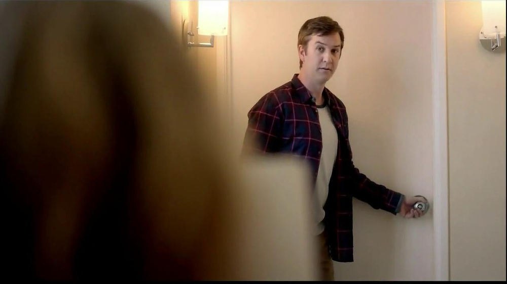 Embassy Suites Hotels TV Spot, 'The Divider' - Screenshot 6