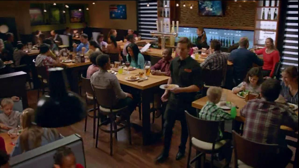 Outback Steakhouse TV Spot, 'Now That's a Steak Knife' - Screenshot 1