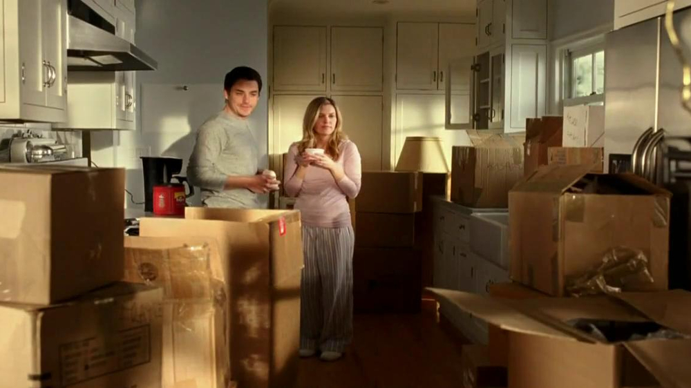 Folgers TV Spot, 'Moving In'