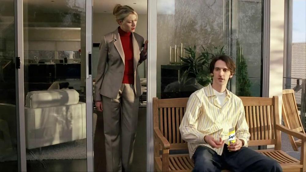Temptations Cat Treats TV Spot, 'Off the Balcony' - Screenshot 7