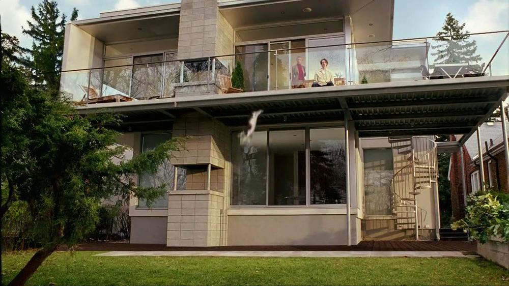 Temptations Cat Treats TV Spot, 'Off the Balcony' - Screenshot 8