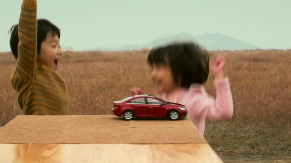 Chevrolet Cruze TV Spot, 'Speed Chaser' - Screenshot 10
