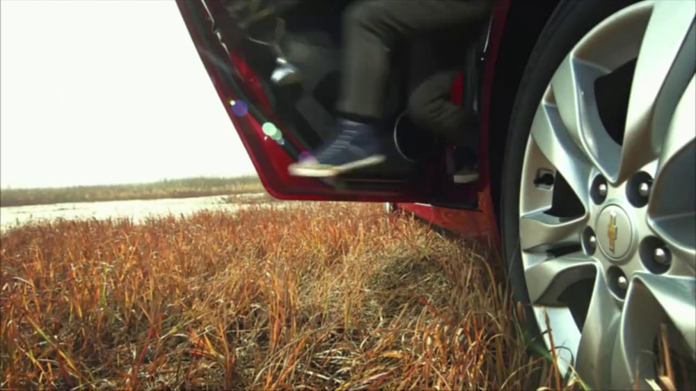 Chevrolet Cruze TV Spot, 'Speed Chaser' - Screenshot 2