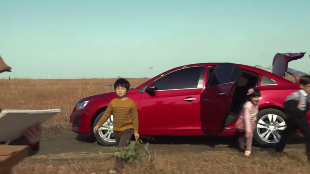 Chevrolet Cruze TV Spot, 'Speed Chaser' - Screenshot 3