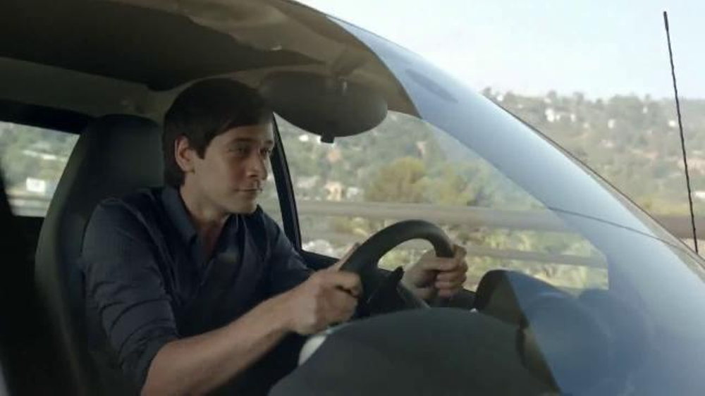 2014 Smart Cars TV Spot, 'Parking Garage' - Screenshot 2