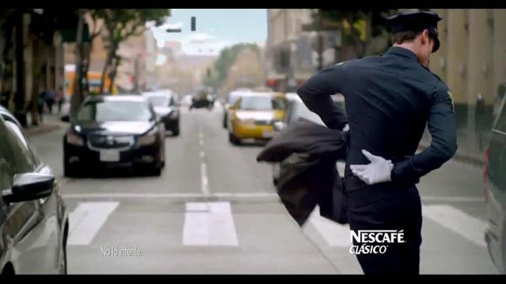 Nescafe Clásico TV Spot, 'Matador' [Spanish] - Screenshot 5