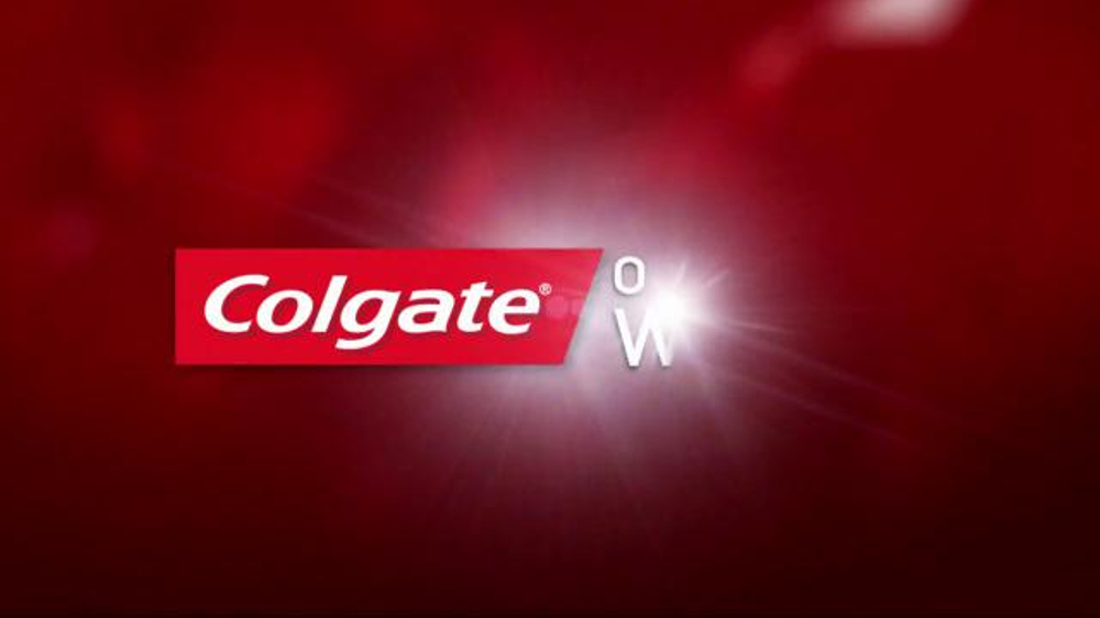 Colgate Optic White TV Spot, 'Accessories' - Screenshot 1