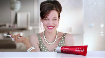 Colgate Optic White TV Spot, 'Accessories'